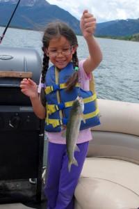 Jeliya's first fish. Poor fishy.